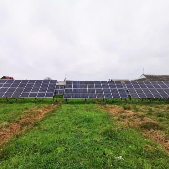 Сонячна електростанція зі змінним кутом с. Ворона